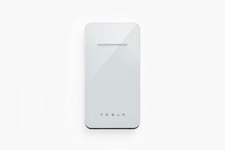 Tesla giới thiệu sạc dự phòng không dây: đẹp, chậm, đắt, vừa tung lên website vài tiếng đã bị gỡ xuống