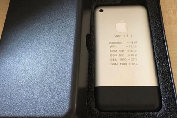Bản thử nghiệm iPhone đời đầu được đấu giá trên eBay, có người mạnh dạn trả gần 300 triệu đồng