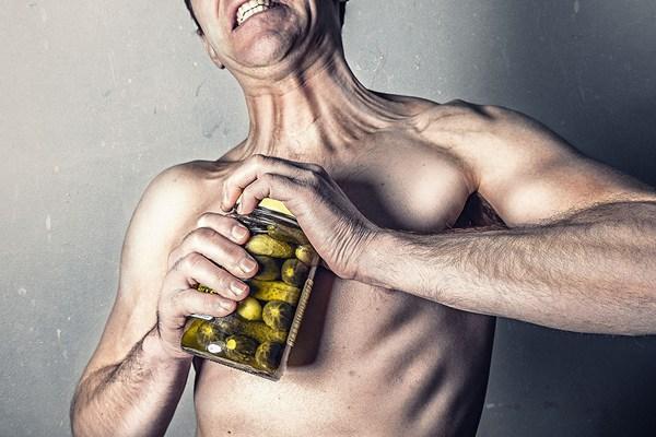 """Người có ít cơ bắp và lực nắm tay yếu dễ """"chết sớm"""" hơn người có cơ bắp khỏe mạnh?"""