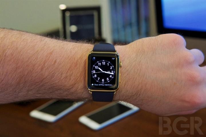 Đa số người mua Apple Watch đang chọn các phiên bản cũ