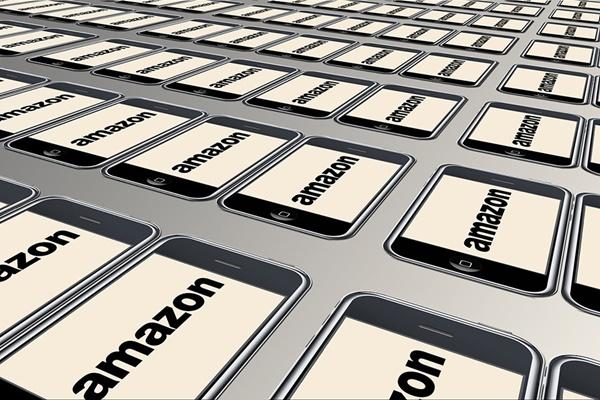 Sau Apple, đến lượt Amazon trở thành công ty nghìn tỷ USD