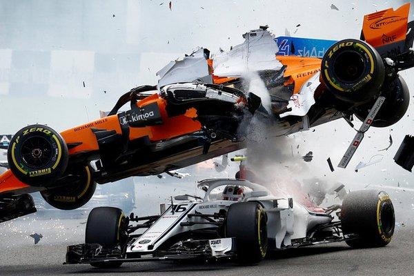 Đây là cách bộ phận Halo trên xe F1 cứu sống tay đua tại giải GP Bỉ trong gang tấc