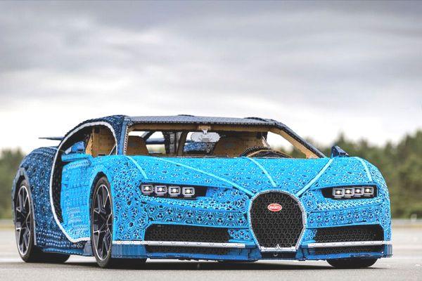 Cận cảnh chiếc siêu xe Bugatti Chiron được làm từ... 1 triệu mảnh Lego