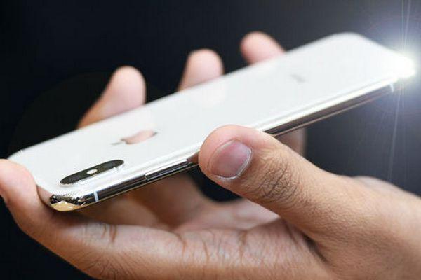 Lộ bảng giá và tên gọi chính thức của bộ ba iPhone 2018: XS, XS Plus và XC