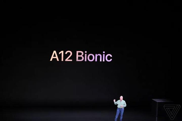 Apple gọi A12 Bionic là con chip thông minh và mạnh mẽ nhất trong thế giới smartphone