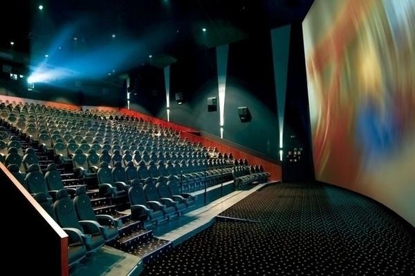 IMAX và tương lai của phim chiếu rạp: Được ăn cả, ngã về không