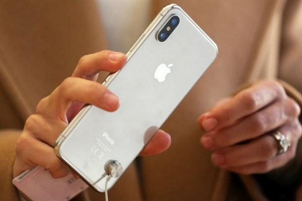 Apple rất khôn khéo trong việc nâng giá bán trung bình của iPhone 2018 lên 20%