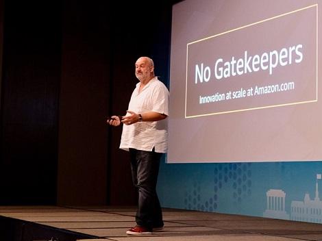 Amazon.com và câu chuyện sáng tạo, chấp nhận bị hiểu sai, để trở thành doanh nghiệp ngàn tỷ USD