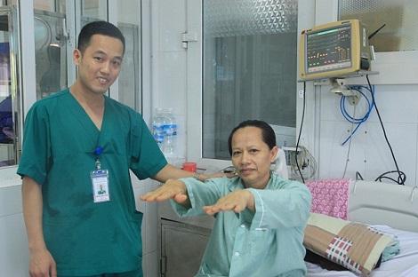"""Bệnh nhân nhồi máu não """"sống lại"""" nhờ phương pháp tiêu sợi huyết"""