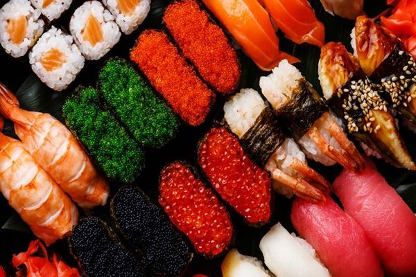 """Ăn hết hơn trăm đĩa sushi, vận động viên người Đức bị nhà hàng buffet """"cấm cửa"""""""