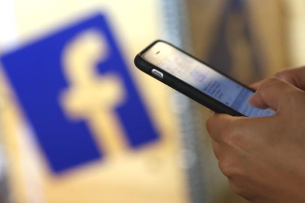 Nghiên cứu bất ngờ: Khi Facebook bị sập, phần lớn người dùng sẽ chuyển sang... đọc báo