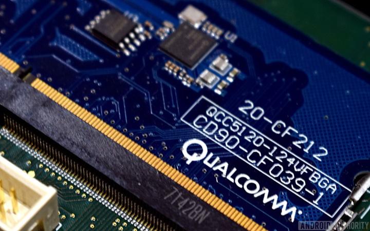 """Qualcomm tố Apple ăn cắp bí mật thương mại và đem """"tặng"""" lại cho Intel"""
