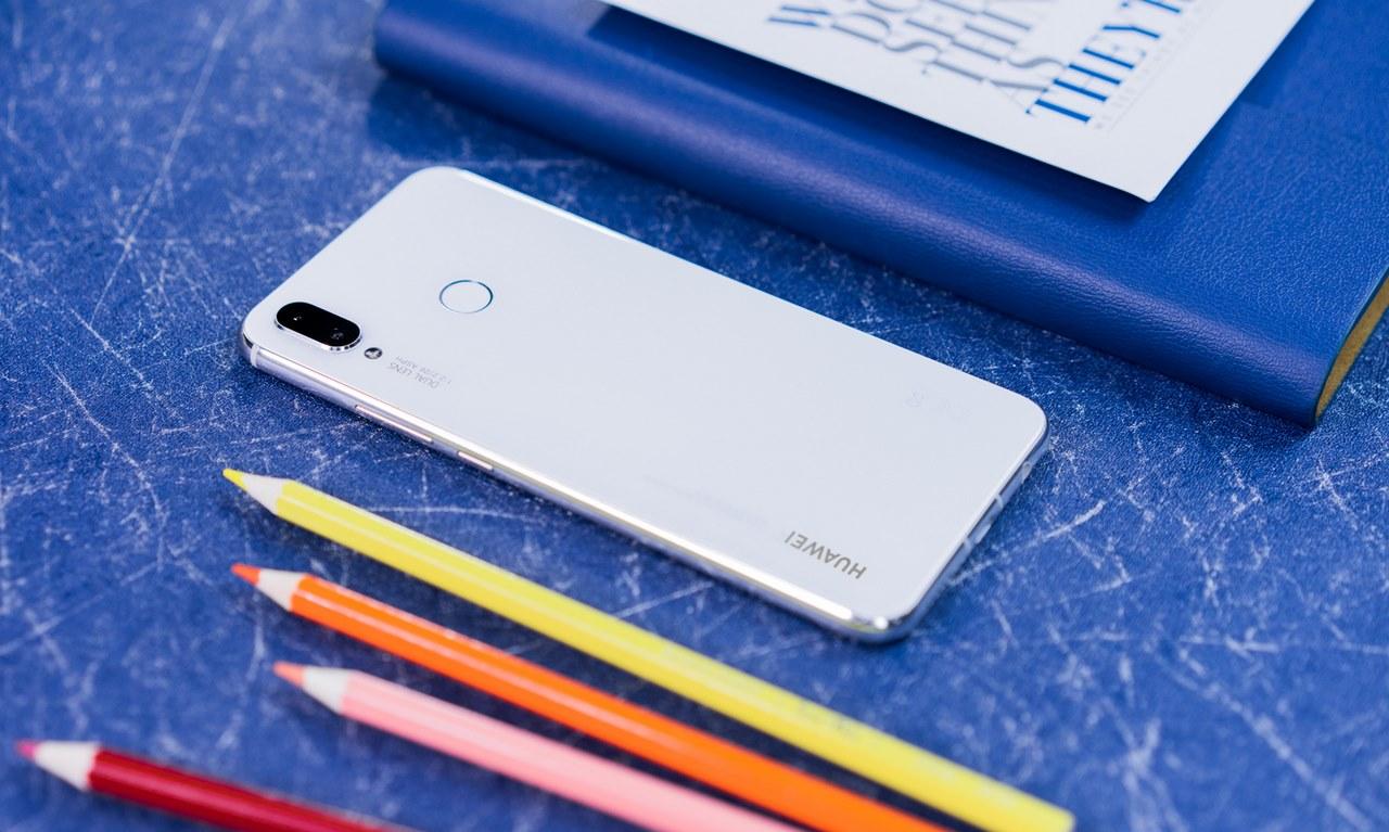 Huawei Nova 3i có thêm phiên bản màu trắng ngọc trai, giá không đổi 6,99 triệu