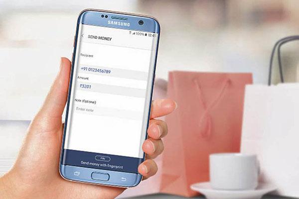 Chuyển khoản online không còn trở ngại với Samsung Pay Card