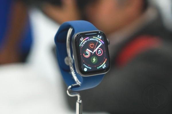 """""""Mổ bụng"""" Apple Watch Series 4: Thiết kế gọn gàng và dễ sửa chữa hơn"""