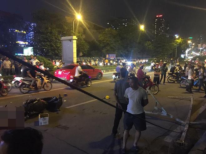 Nạn nhân thoát chết kể lại vụ thanh sắt rơi từ toà nhà đang xây đường Lê Văn Lương