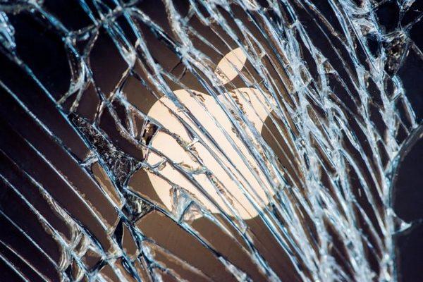Cựu giám đốc sáng tạo Apple chỉ trích cách đặt tên quá rườm rà của triều đại Tim Cook