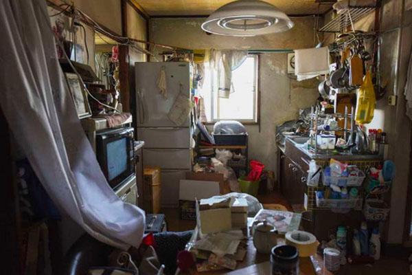 Ngành dịch vụ mới ở Nhật Bản: Dọn dẹp và tiêu thụ đồ đạc của người già neo đơn sau khi họ qua đời
