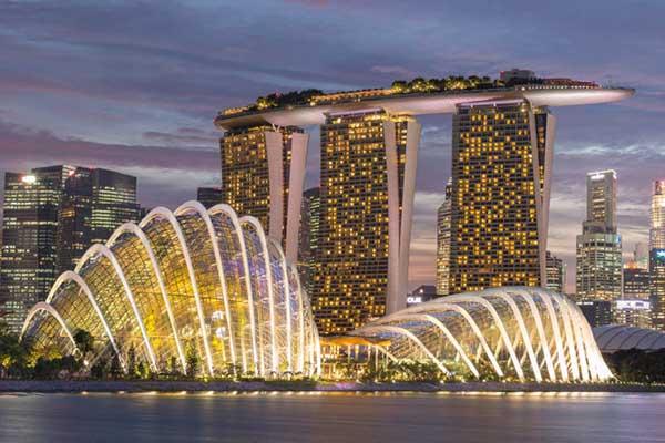 Thặng dư ngân sách 'khủng', Singapore phát tiền cho dân