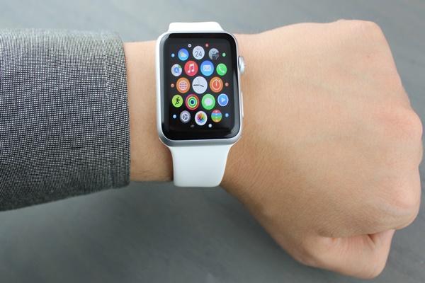 Khi chiếc Apple Watch đánh thức bạn vào lúc nửa đêm...