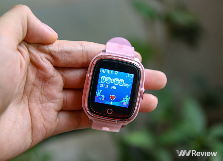 Trên tay đồng hồ liên lạc và giám sát trẻ em Digiwatch DW07