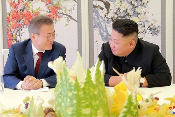 """Bày tỏ thiện chí, Triều Tiên gửi tặng hai """"quốc khuyển"""" cho Hàn Quốc"""