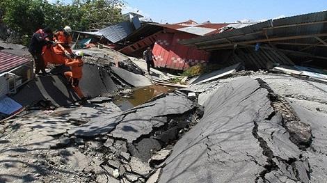 Đất hóa lỏng khi động đất ở Indonesia là hiện tượng gì?