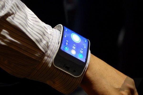 Sếp Samsung tiết lộ chưa thương mại hóa ngay smartphone màn hình gập tại sự kiện tháng 11 tới
