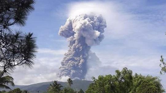 Sau động đất, sóng thần, Indonesia gặp thêm núi lửa phun