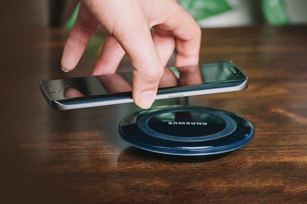 Samsung sẽ đưa công nghệ sạc không dây lên dòng tầm trung J-series và cận cao cấp A-series?