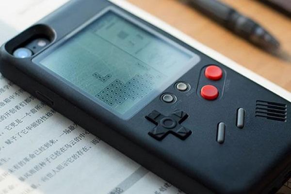 """Tận dụng triệt để tuổi thơ: Nintendo đăng ký bản quyền ốp lưng smartphone """"kiêm"""" máy Game Boy"""