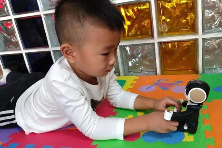"""Robot """"trí tuệ nhân tạo"""" đang thay thế cha mẹ ở Trung Quốc"""