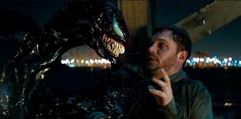 Venom: Câu chuyện hời hợt và bộ phim 'lửng lơ'