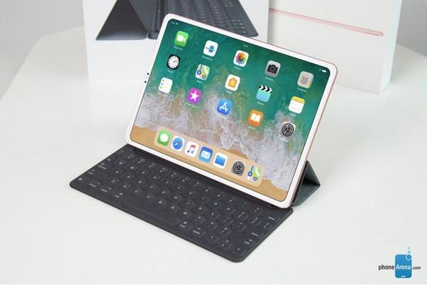 """iPad Pro mới sẽ sử dụng """"cổng kết nối nam châm"""", Face ID và Apple Pencil mới?"""