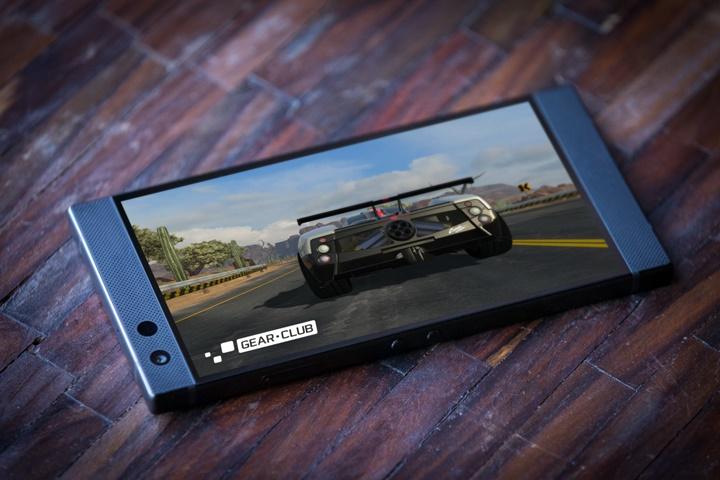 Razer Phone 2 chính thức trình làng: 5.7 inch, chip Qualcomm Snapdragon 845, làm mát bằng buồng hơi