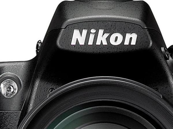 """Rộ tin đồn máy ảnh Nikon D800 36 """"chấm"""""""