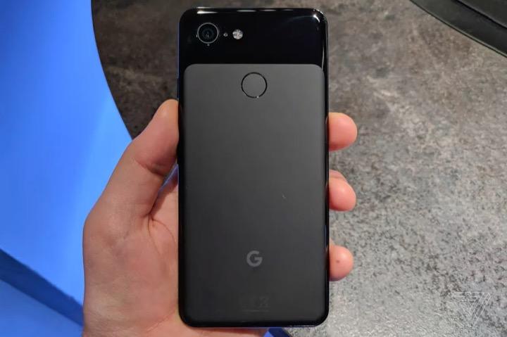 Google Pixel 3 cho thấy thời kì của flagship nhôm nguyên khối kết thúc