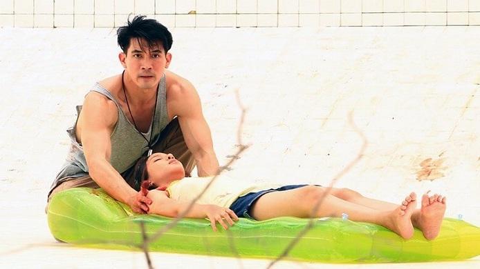 """[Review] Hồ Bơi Tử Thần - Khi tử thần """"nấp"""" dưới hồ bơi"""
