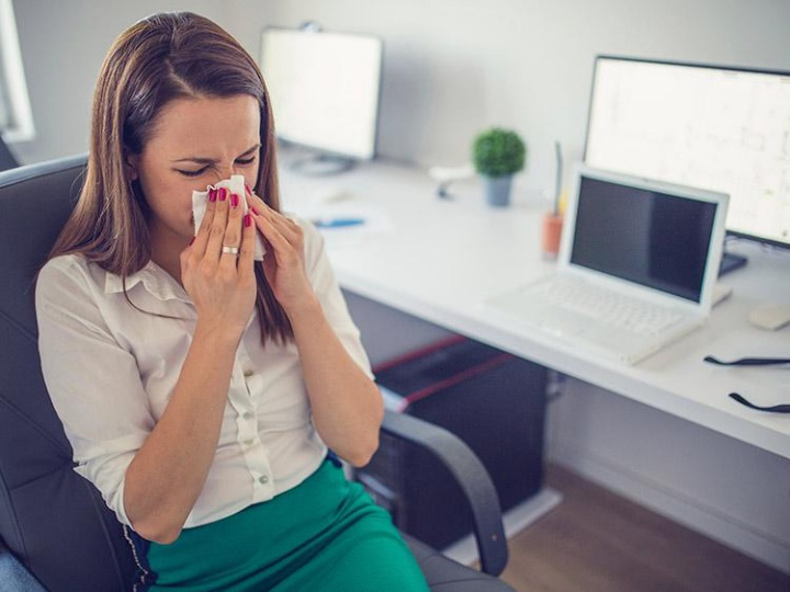 Bị ốm khi đi làm