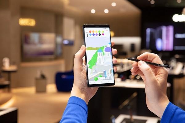 """Galaxy Note 10 ngày càng """"phình to"""", sẽ có kích thước lên tới 6.66 inch?"""