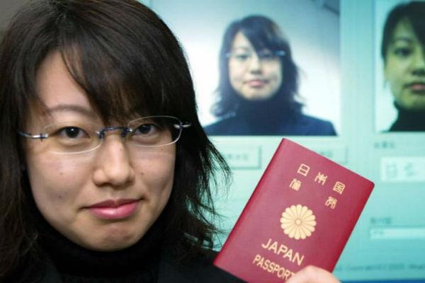"""Hộ chiếu của quốc gia nào """"quyền lực"""" nhất hiện nay?"""