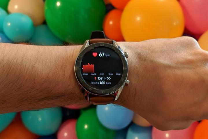 Huawei Watch GT: vòng tay thể thao dưới vỏ bọc đồng hồ đeo tay, pin 2 tuần