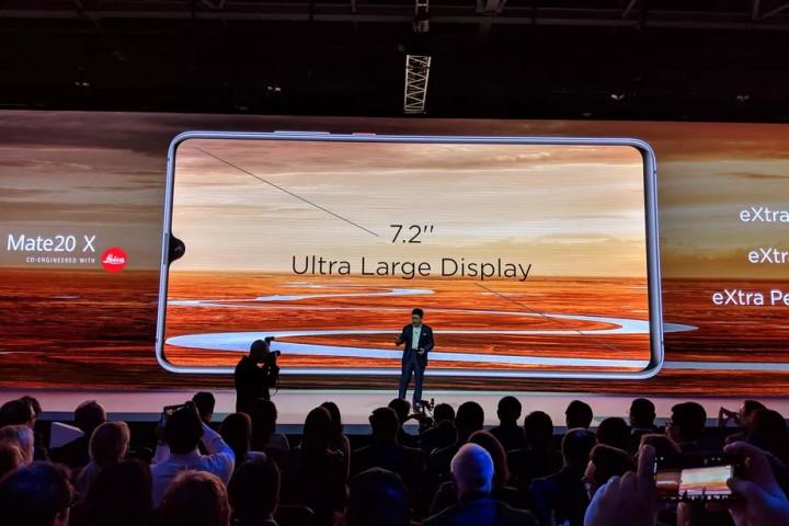 Huawei bất ngờ công bố Mate 20 X màn hình cực lớn 7.2 inch, pin 5.000 mAh