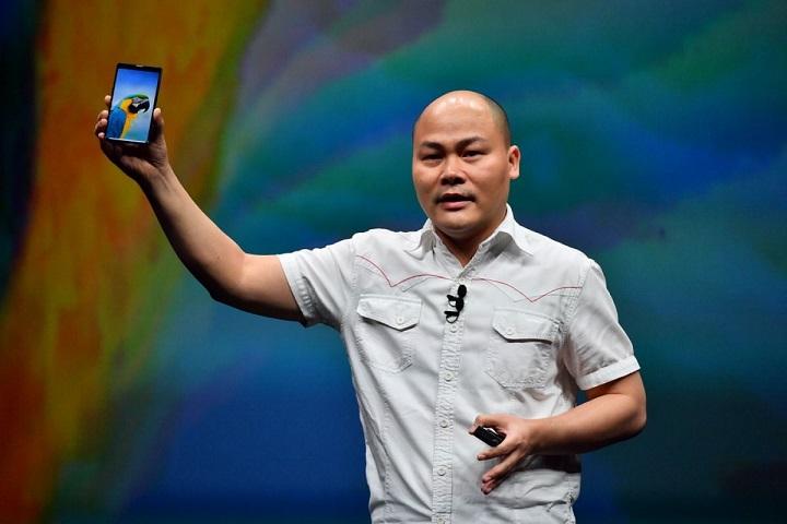 Bphone 3 mở bán từ ngày mai, CEO Nguyễn Tử Quảng sẽ trao tận tay những khách hàng đầu tiên