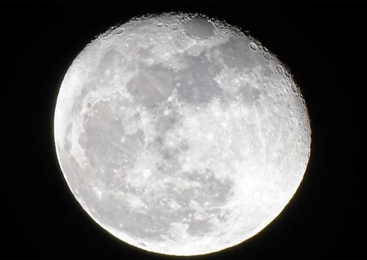 Trung Quốc sẽ bắn mặt trăng giả lên quỹ đạo để biến đêm thành ngày