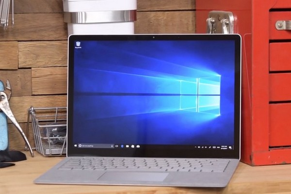 """iFixit: Surface Laptop 2 cực kỳ khó sửa, xác định hỏng là """"bán xác"""""""