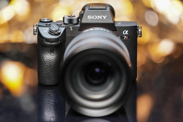 """Sony A7RIII """"ăn đứt"""" Nikon Z7 và Canon EOS R với dải dynamic range vượt trội"""