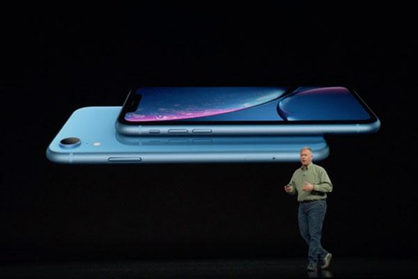Phil Schiller giải thích về tên gọi, lý do sử dụng màn hình 720p trên iPhone XR