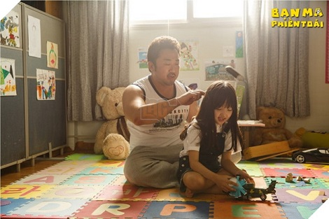Phim Bạn Ma Phiền Toái: Tình cảm, hài hước nhẹ nhàng với vài điểm trừ không đáng có