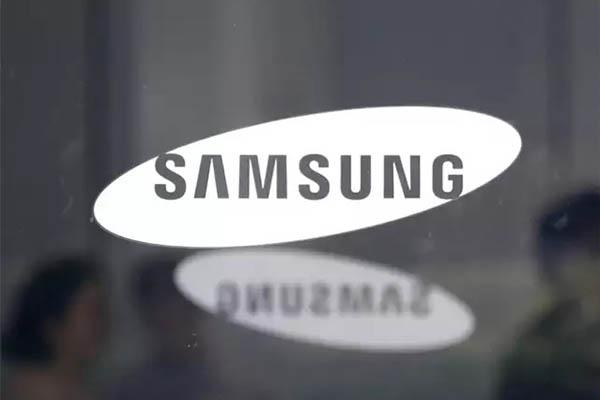 Đại sứ thương hiệu của Samsung tại Nga bị kiện vì dùng iPhone như thế nào?